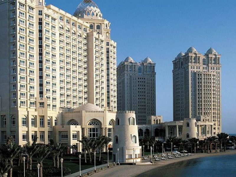 Отель Four Seasons Resort Doha 5*