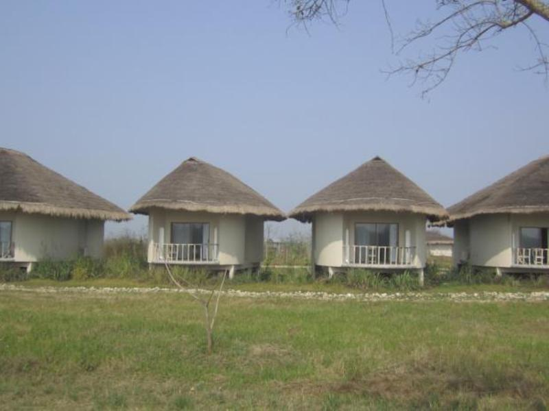 Отель Barahi Jungle Lodge Chitwan 4*