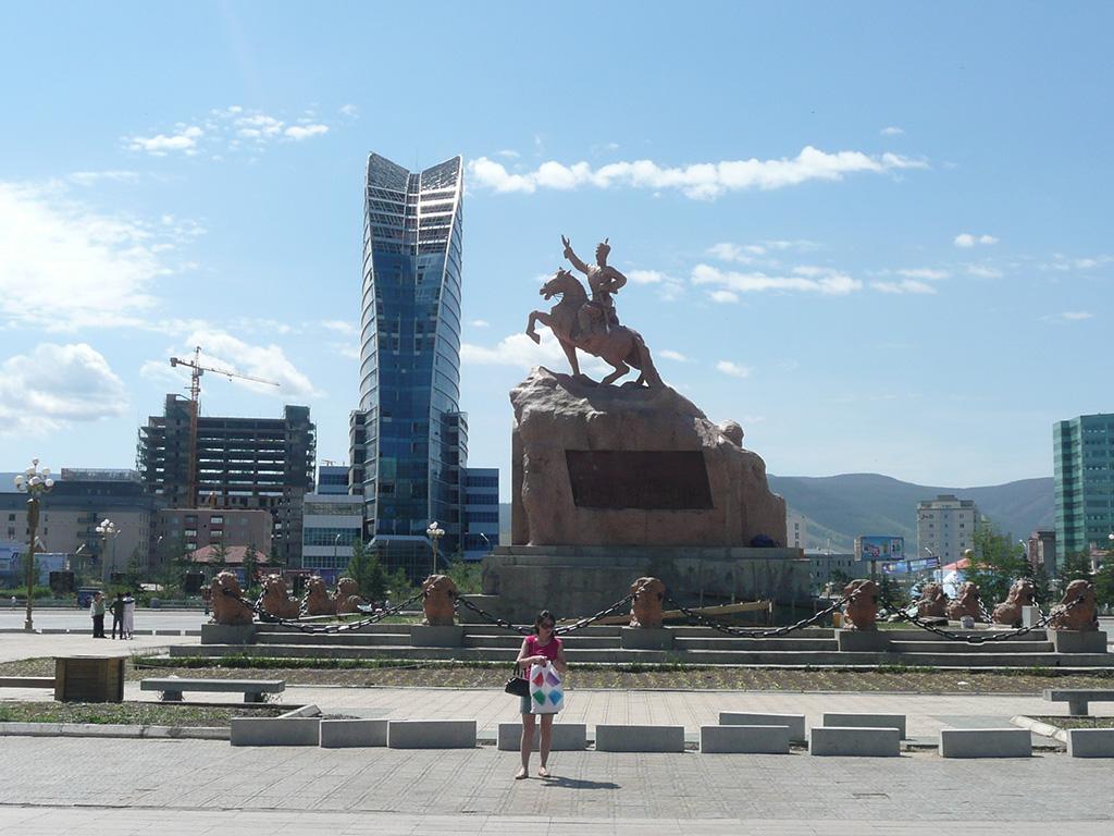 Где в монголии купить дубленку